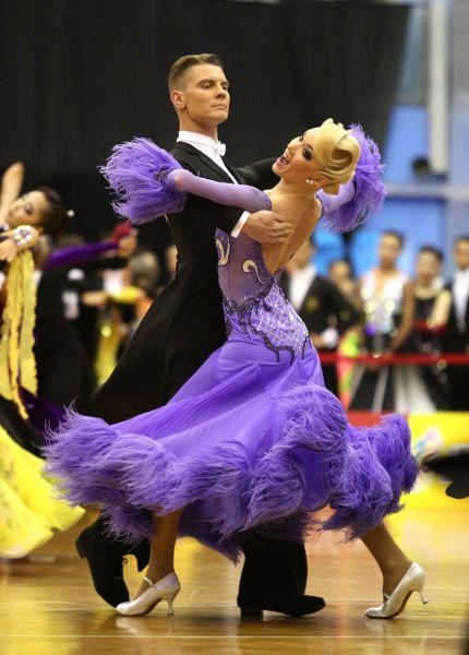 世界標準舞冠軍俄羅斯Dmitry Zharkov/Olga Kulikova順利在台北賽摘金/大會提供