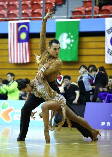 中國香港HING WAI CHAN(後)LAI KI TIN勇奪亞洲單項錦標賽2金/大會提供