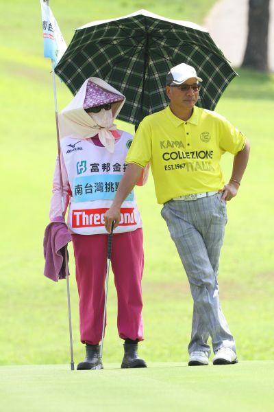 南台灣挑戰賽第一回合謝錦昇71桿(-1)並列第四。鍾豐榮攝影