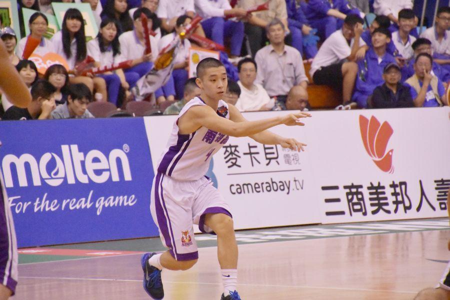 南湖陳威豪處女秀有「準大三元」的精采演出。