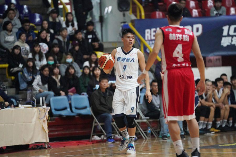 台藝大陳懷安17分、6籃板及助攻、抄截各3白搭。
