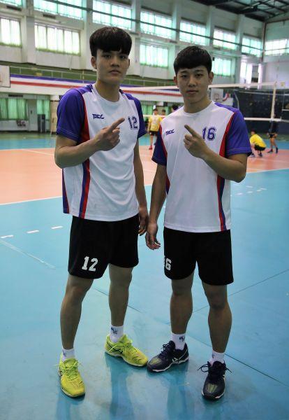 國北教碩一生張敏舜(右)大一學弟宋柏霆相互激勵,誓奪大專排球男一級冠軍/黃秀仁攝