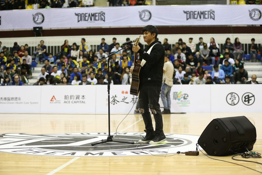 歌手王宏恩今天擔任寶島夢想家開場嘉賓。圖/寶島夢想家提供