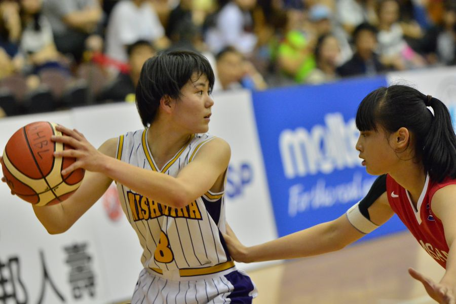 日本西原高校菜鳥具志堅夏琳2記三分球獲20分。
