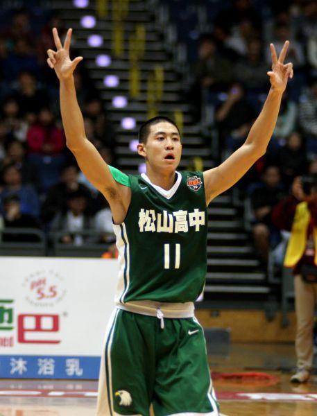 松山楊承翰三分球10投中7飆27分,雙寫生涯新高仍輸能仁。