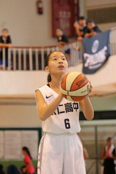 永仁雙胞胎莊小軒得13分、7籃板、3助攻、5抄截。