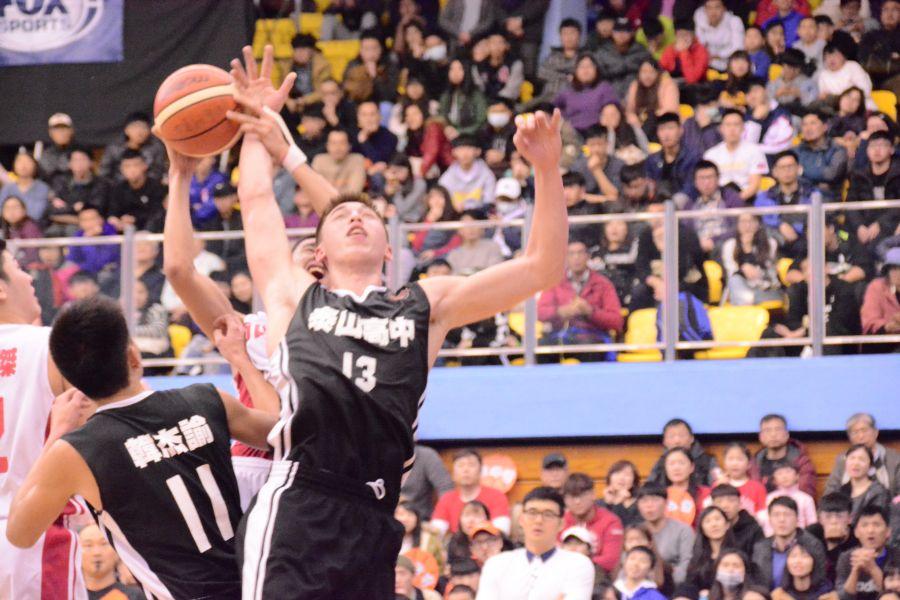 泰山譚傑龍HBL生涯最一戰19分及20籃板。