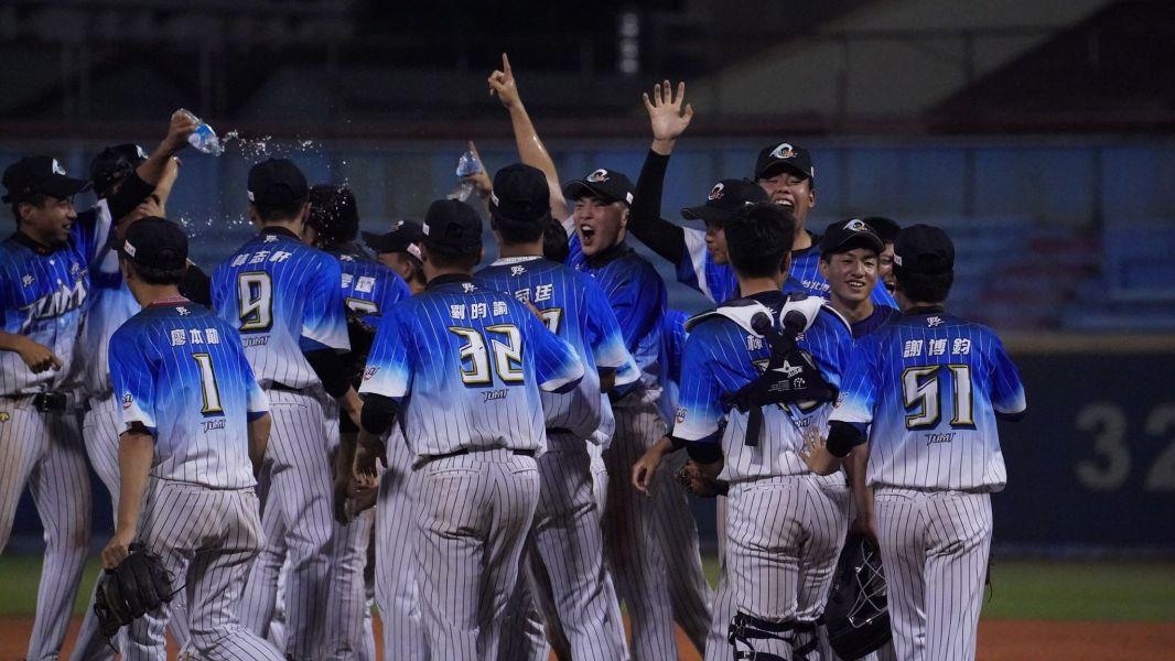 海科運休拿下首屆棒球系際盃冠軍。體育署提供