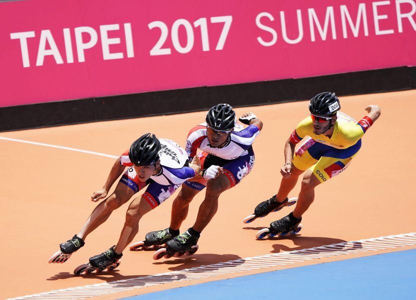 陳彥成在滑輪溜冰一萬公尺為我國在這次世大運奪下首面金牌。圖/李天助攝