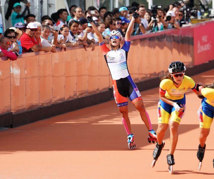 滑輪溜冰女子一萬公尺金牌楊合貞。李天助攝