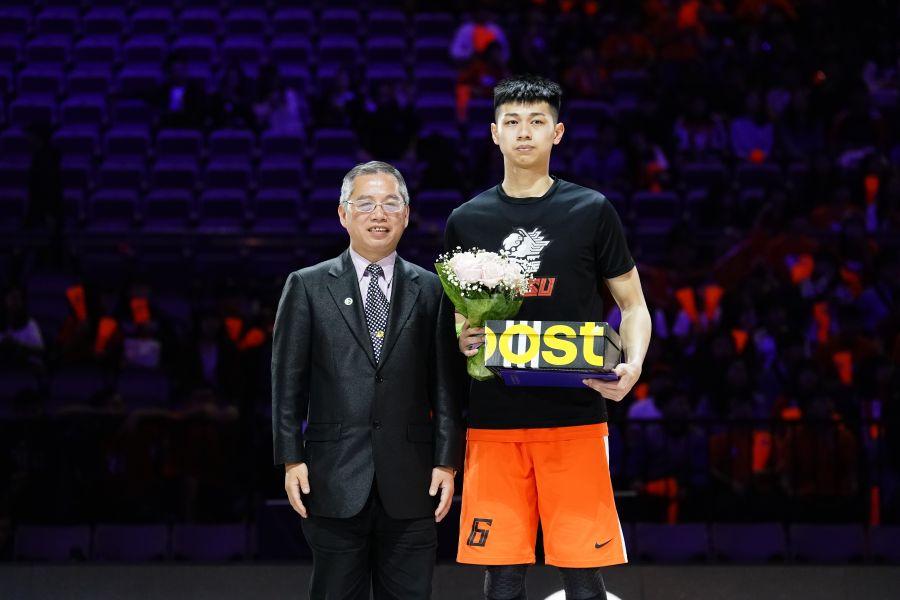 男一級冠軍賽MVP國體大陳昱瑞。