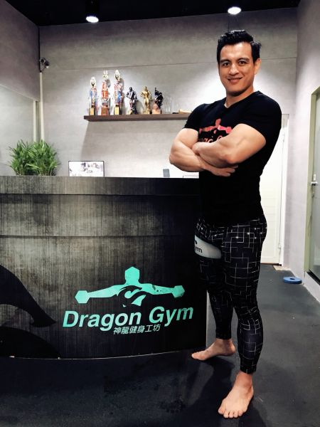 網紅達人同時也是神龍健身工坊創辦人林少華。