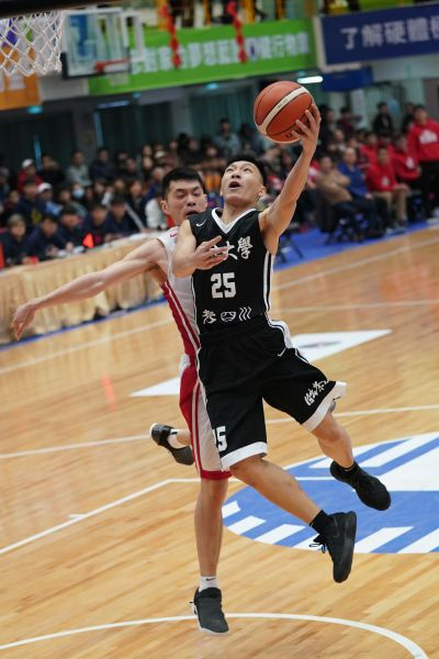 義守羅選斌34分及11籃板生涯代表作。