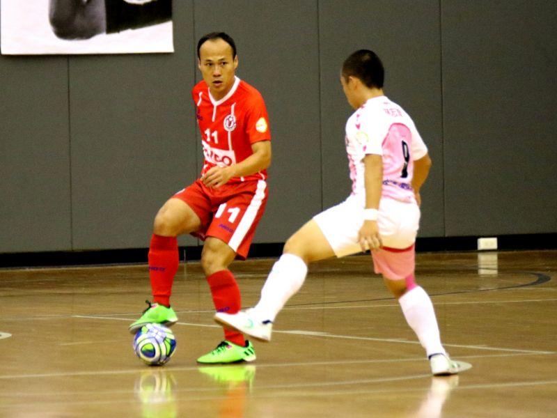 台灣羅本、中華男足助理教練方靖仁也代表新北大宇參賽。大會提供