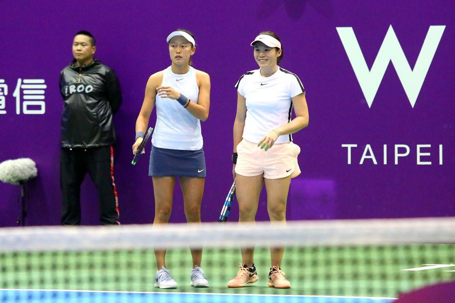 莊佳容與張凱貞搭檔成功晉8強。WTA臺灣公開賽大會提供