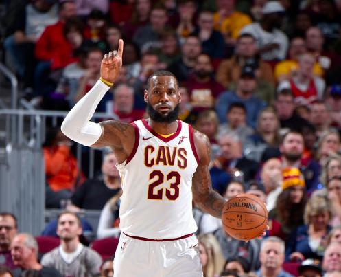 詹姆斯27分、9籃板、11助攻,連續866場得分上雙。(圖/NBA官方twitter)