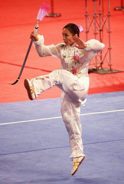 陳宜盈在女子武術太極劍表現精采。圖/李天助攝