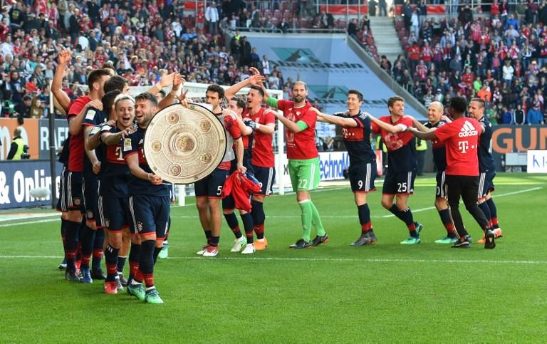 拜仁4-1勝奧格斯堡提前5輪奪冠。法新社