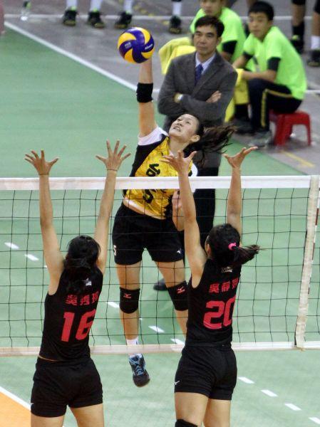 台電教練姚承杉很肯定郭覲儀(攻擊者)的穩定性。林嘉欣/攝影。