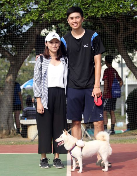 195公分的黃鈞璟和160公分的女友黃宇伶最萌身高差。林嘉欣/攝影。