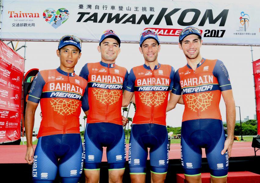 馮俊凱(左1)今年有車隊冠軍主將助陣。中華民國單車騎士協會提供