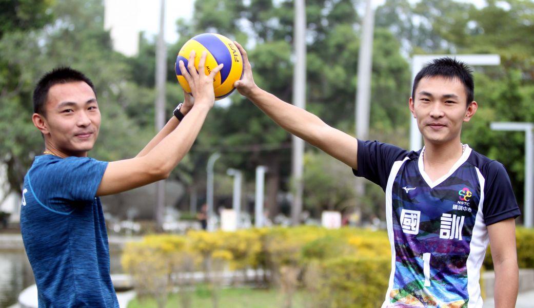 楊奇諺(左)、楊奇翰兄弟檔。林嘉欣/攝影。