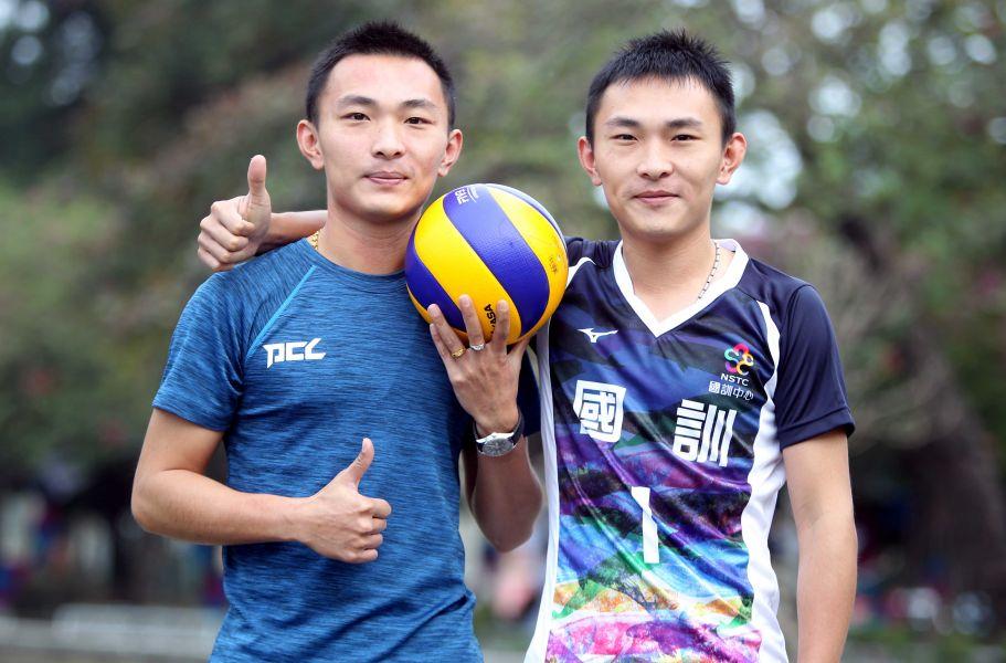 楊奇諺(左)、楊奇翰雙胞胎兄弟。林嘉欣/攝影。