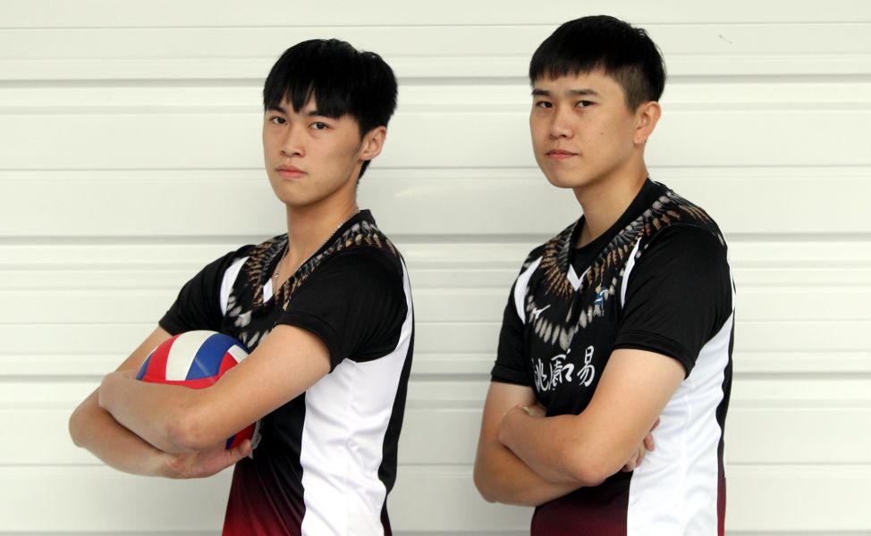 陳政錡(左)和黃鈞璟都覺得跟彼此不像。林嘉欣/攝影。