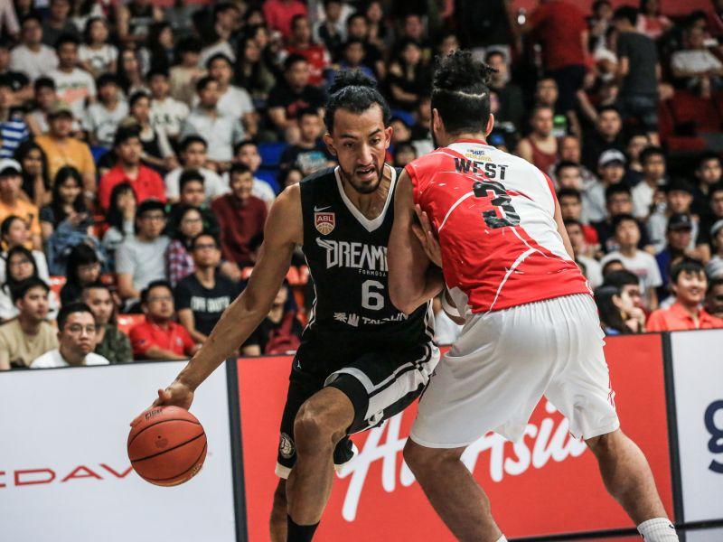 夢想家新洋將Aguilar攻下22分、22籃板。圖/寶島夢想家提供