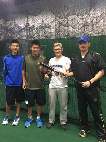 中職秘書長馮勝賢曾親自參與Fastball USA棒球學校。圖/中職提供