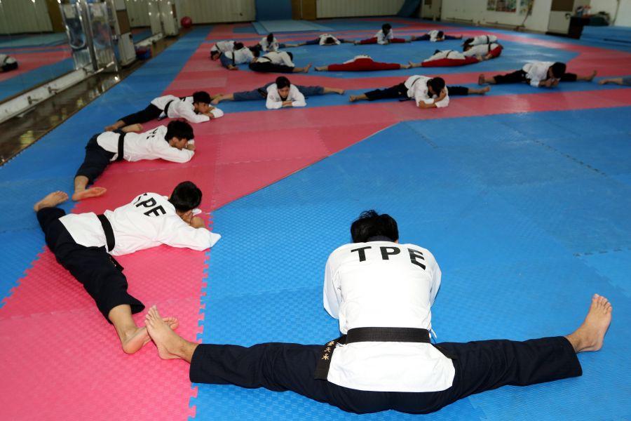 中華跆拳道隊積極備戰世大運。林嘉欣/攝影。