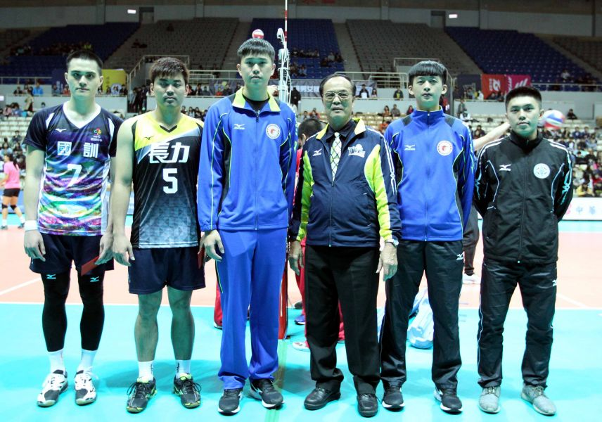 企排13年第一階段男子組最佳球員頒獎。林嘉欣/攝影。