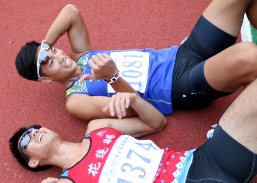 楊俊瀚(左)和陳傑英雄惜英雄。資料照片 林嘉欣/攝影。