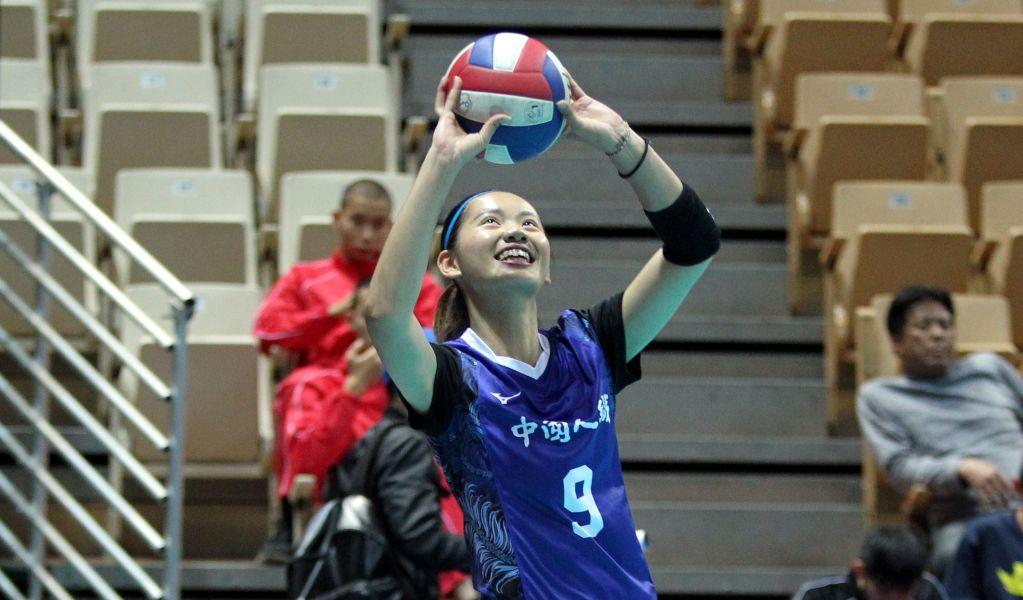 中纖陳姿雅開心打球。林嘉欣/攝影。