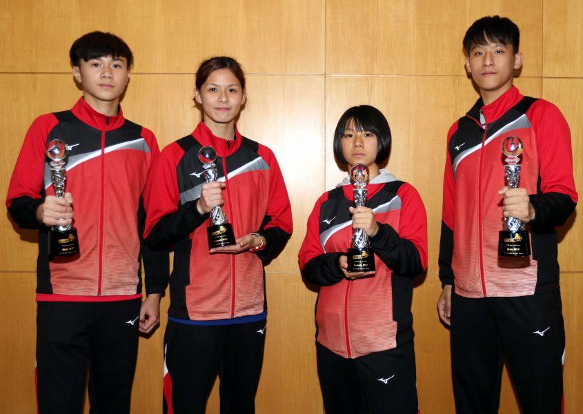 中華隊陳佑新(左起)、朱亞妮、蔡佩均、林聖傑獲選第三屆亞洲U19暨U16四人制合球錦標賽MVP。林嘉欣/攝影。