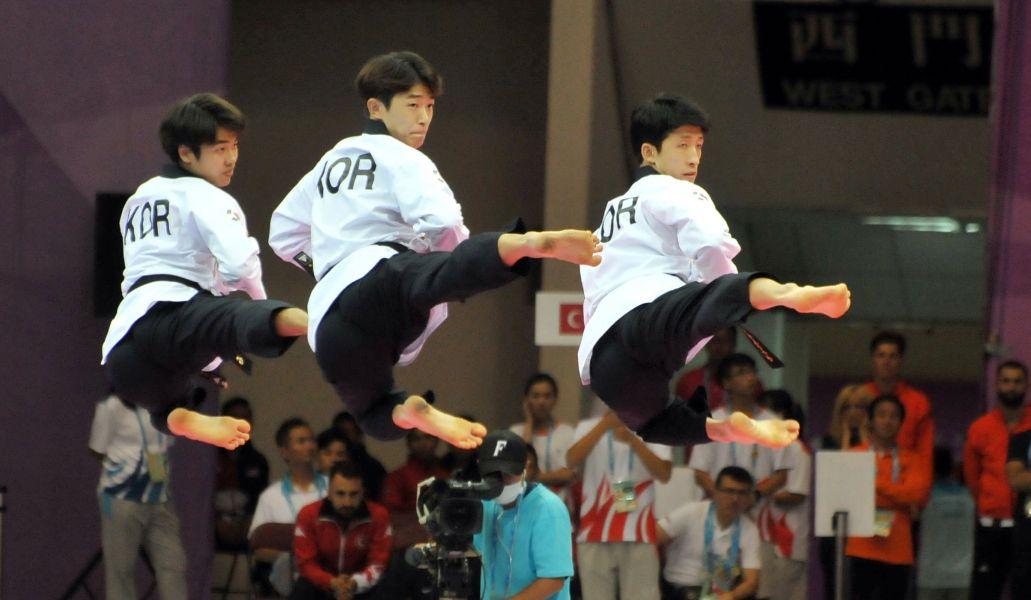 男子團體品勢金牌由韓國隊獲得。台北世大運組委會提供