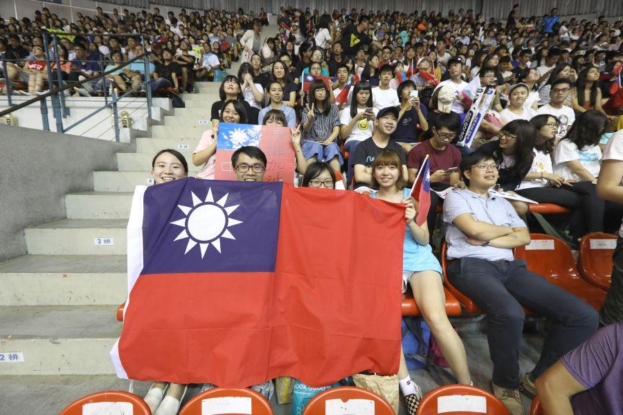 北世大運男排中華隊出戰日本,球迷塞爆臺大體育館,現場一票難求。圖/2017世大運組委會提供