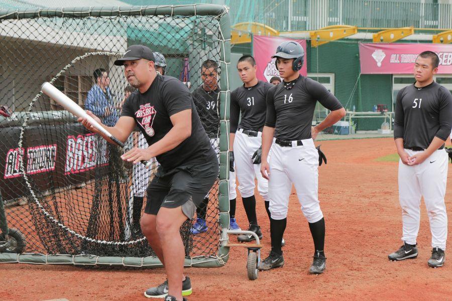客座教練陳連宏分享海外的訓練經驗,並提到自主訓練在提升球員競爭力上的重要性。圖/主辦單位提供