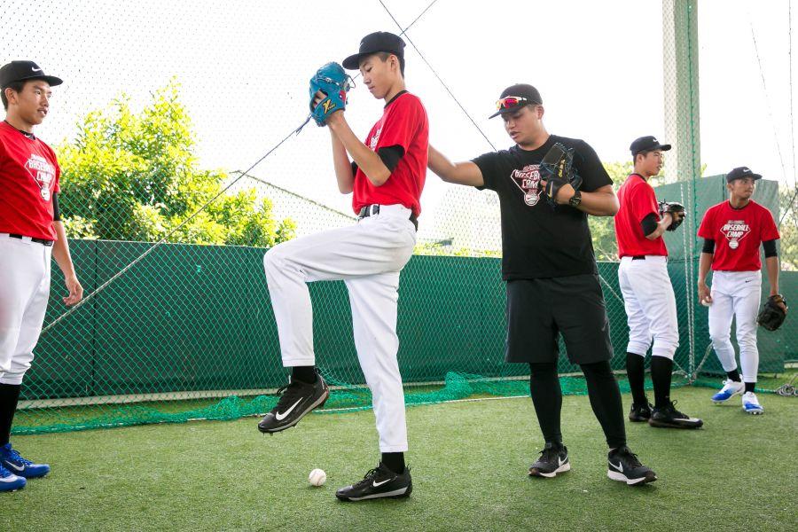 胡智為在此次訓練營中擔任投手教練。圖/主辦單位提供