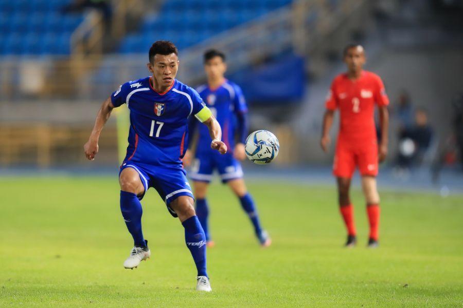 陳柏良(左)再一次救了中華隊。中華民國足球協會提供