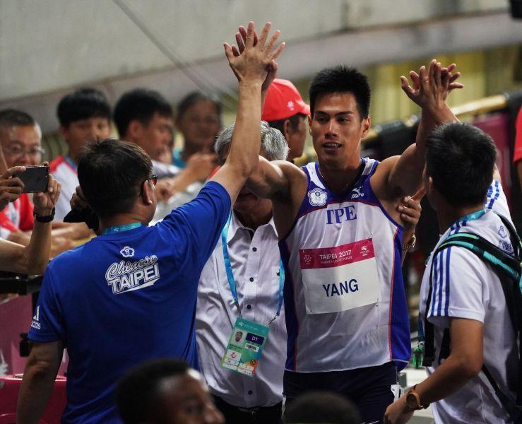 「全台最速男」楊俊瀚先是在準決賽跑出10秒20的新全國紀錄。李天助攝