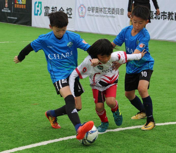香港隊來台踢表演賽。楊勝凱攝