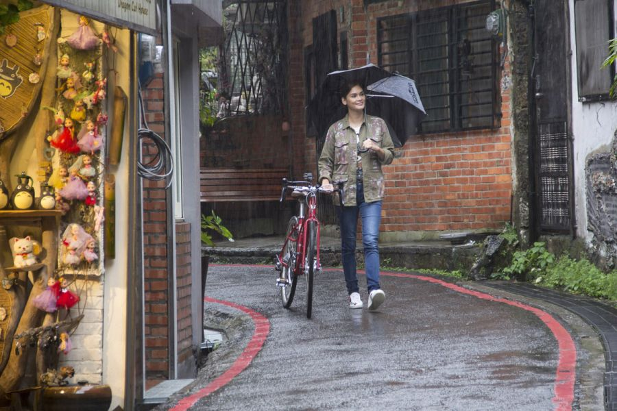 Pia Alonso Wurtzbach於九份老街。圖/主辦單位提供