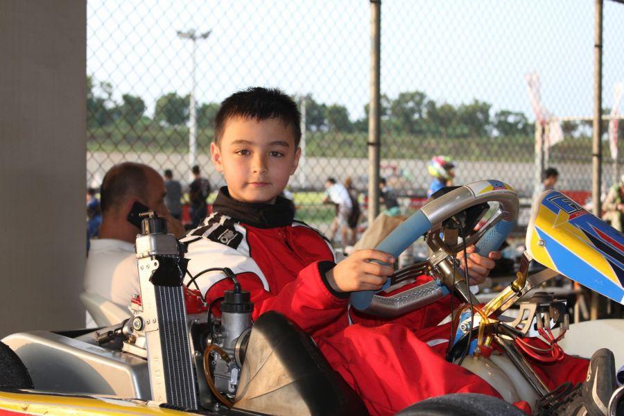 年僅8歲的澳洲小車手彼得表現精彩。麗寶提供
