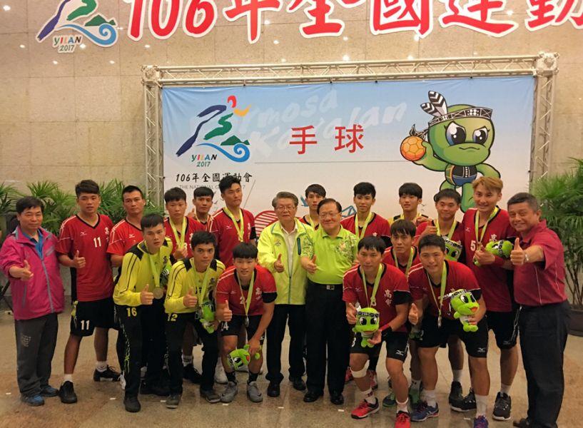 高雄市男子手球代表隊在PK戰惜敗獲得銀牌。圖/高雄市體育處提供