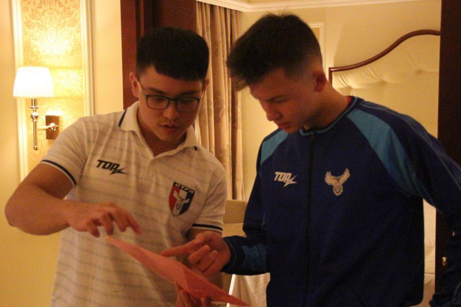 沈子貴正在檢查身體。中華民國足球協會提供