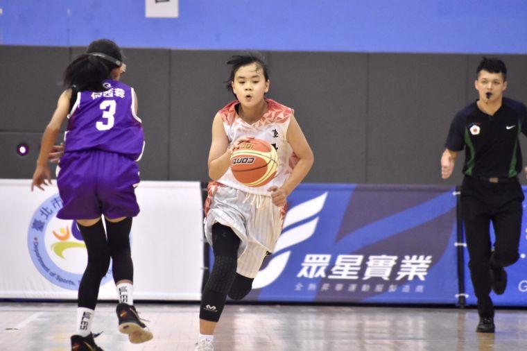 「女Kobe」陳柔安帶班北投2連勝晉級在望。大會提供