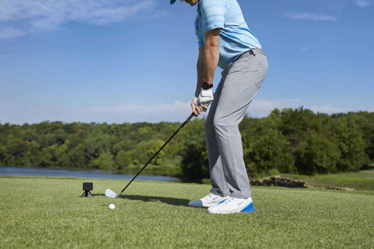 「Approach R10雷達高爾夫訓練儀」以科學化擊球數據、自動揮桿錄影、超長耐久電力化身虛擬揮桿教練,有效提升使用者訓練效率。官方提供
