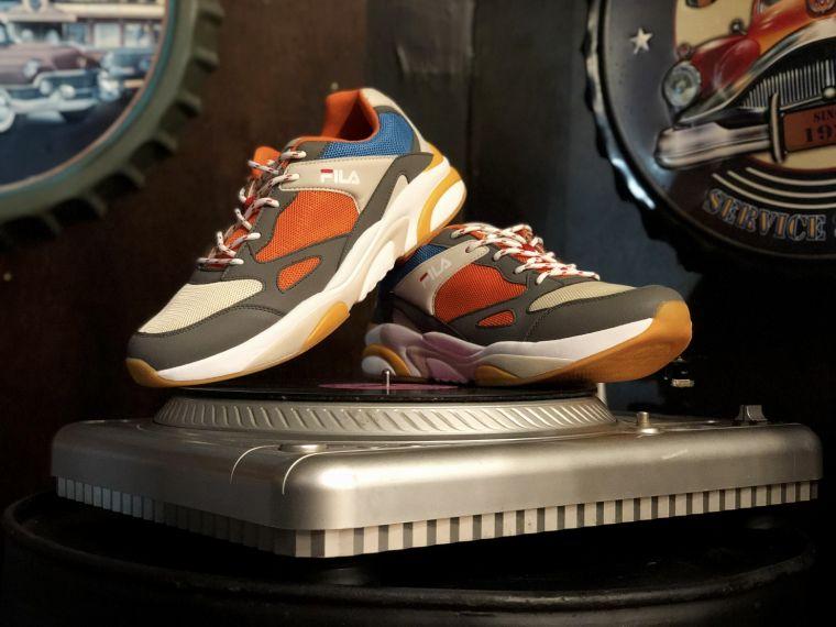 『流行樂之王』逝世10週年 FILA推出紀念老爹鞋FILA  JAM '92  帶領民眾重返90年代。官方提供