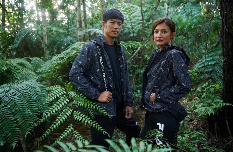 『FILA ADVANTURE風行山林』系列服飾具備戶外運動必備機能,並提供良好保暖效果,滿足OUTDOOR穿搭需求。官方提供